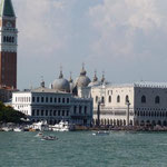 Venedig ist voll mit Touristen