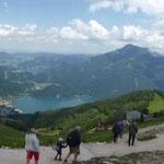 Zwölferhorn mit Blick auf St. Gilgen