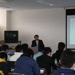 開会の挨拶をする高知県測量設計業協会の右城技術委員長