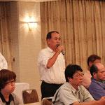 会場から質問をする㈱第一コンサルタンツ西岡南海男氏