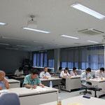 講義に熱心に耳を傾ける高知県測量設計業協会の会員