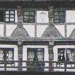 In der Nacht vom 23. zum 24. April 1904 brannte dieses Haus aus dem 16. Jahrh. bis auf die Höhe des Balkons herunter.