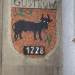 Güstropwer Wappen an der Ostseite am Haus Schweriner Str 79