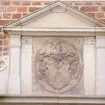 Schmuckelemente am Haus Domplatz 16 (einst Wallensteins Hofgericht)