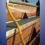 Eine neue Deckung des Daches erfogt