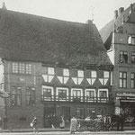 Schmuckvolle Fassade des Hauses Mark/Ecke Gleviner Str.