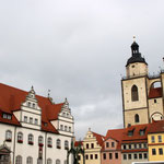 Der Rathausplatz in Wittenberg mit der Stadtkirche