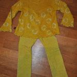 Hier die Hose ist übrigens die, die eigentlich lila sein sollte.... ist sie nicht.