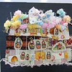 マトリョーシカとお菓子のお家、にぎやかだね!