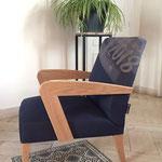 Un fauteuil en hêtre issu du 77 et jean créé en France
