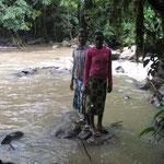 Vivien und Scharon im Kakamega Rainforest.