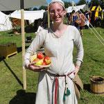 Matz bringt Äpfel