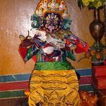 Une des nombreuses statues bouddhistes (on est pas encore super cales pour les reconnaitre)