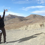 """Au passage des cols (""""La"""" en tibetain), les gens lachent des mantras dans le vent, petites phrases ou images portant une priere que le vent portera a son destinataire"""