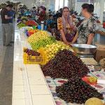 Les étals de fruits frais qui n'attendent que nous