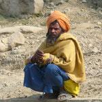 Un autre Sadhu (il faut dire que le spectacle est pas mal : Romain repare sa roue!)