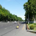 Les grandes rues de Tashkent, bien russes