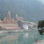 Un temple de Rishikesh, a l'architecture disons... originale.