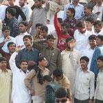 """""""Pakistan Zindabad!"""" (longue vie au Pakistan!) crient les supporters"""