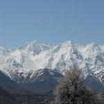 Les sommets de l'Himalaya surplombant la vallée d'Astore