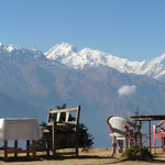 Une petite terrasse avec vue sympathique sur le massif du Ganesh Himal