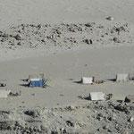 Un campement nomade, nous nous demandons encore de quoi ils vivent (surement quelques chevres perdues dans les rochers, mais sinon??)