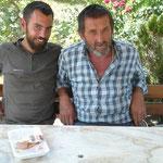 Un étrange compagnon de pic-nic qui nous a fait la conversation pendant tout le repas (bien sur il ne parlait que turc et nous n'y comprenons toujours rien)