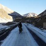 La route est de plus en plus glacee