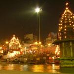 Les ghats d'Haridwar de nuit, plus calmes