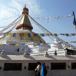 Une importante population de refugies tibetains habitent pres du temple de Bodnath, dans la banlieue de Kathmandou