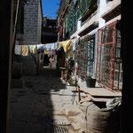 Chaque cour a son point d'eau, les toilettes publiques sont nombreuses dans les rues