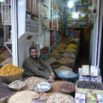 Marchands de fruits secs a Peshawar