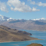 Le sommet et le lac vu du Kampa La (si vous avez bien lu l'article vous devez connaitre les noms maintenant..)