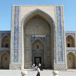 La facade d'une madrassa, Bukhara