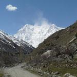 Le sommet du Nanga Parbat et ses 8126m; nous sommes chanceux pour le temps, le jour ou nous y arrivons, cela fait plus d'un mois qu'il était dans les nuages)