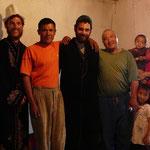 Chez un mecano qui nous ont invité a partager un thé et quelques naans, avec son frere et sa famille