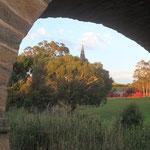 historische Brücke und Kirche  -  historic bridge and church  - Richmond