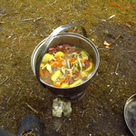 wir leben trotz Campingkocher weder schlecht noch ungesund  -  even  though we only live from what we can make on our camping cooker - we don't have to miss out on healthy or good food