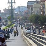 wir navigieren Saigon am Stand der Sonne / navigating Saigon by the sun