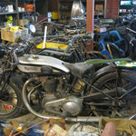 lots of bikes, all interesting  -  jede Menge alte Mopeds