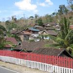sehr patriotisch - Indonesian fence, very patriotic