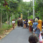 Hochzeitsprozession  -  the wedding procession