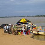 Mekongfähre beladen