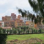 Wer braucht ein toskanisches Dorf in Thailand - who needs a Tuscan village in Thailand?