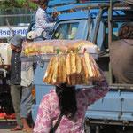 da laufen die Baguettes - the baguette lady