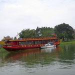 auf dem Parfümfluss in Hue - the parfume river in Hue