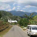 Fahrt quer durch Flores  -  ride across Flores