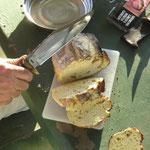 mein erster Damper im Campfeuer gebacken - my first damper baked in a camp fire