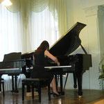 На конкурсных прослушиваних пианистов. Анастасия Столяренко.