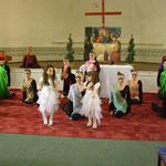 "Театр моды ""Elle*F""(руководитель Эльвира Громова) на концерте-открытии фестиваля в Шведской церкви 22 апреля 2012 г(фото Н.Володина)."